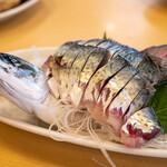 活魚料理 びんび家 - 2021.8 オリーブ鯖の活造り(2,800円)