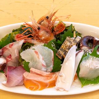 活魚料理 びんび家 - 料理写真:2021.8 刺し盛り(3,000円)