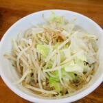 自家製麺屋 登夢道 - モヤキャベ…多い