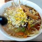 麺太 - 料理写真:塩タンメン(680円也) 超アツアツ、野菜たっぷりで美味しい!