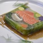 ピッツェリア ピッキ - 長野竹内農園さん野菜とノルウェーサーモンのテリーヌ、バルサミコソース 950円