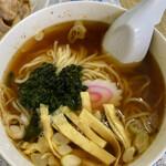 黄龍 - 鰹節の風味が効いた、和風ラーメンって感じ。麺は柔らかめ。