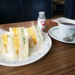 西アサヒ - エッグ・サンドとコーヒー