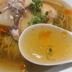 らーめん 鉢ノ葦葉 - 冷やしラー麺のスープ
