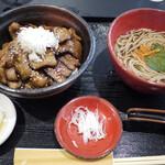 蕎麦人 - 料理写真:豚丼、ミニそば(各単品)