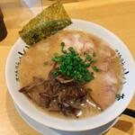 博多長浜らーめん いっき - 料理写真:ちゃーしゅーめん 麺硬さ普通 税込890円