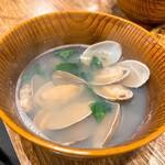 蕎麦と天ぷら やまうち - あさり汁