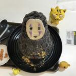 麺とかき氷 ドギャン - カオナシ 1,100円(税込) ※上からも