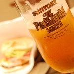 バーガーズベース - ビールにあいます