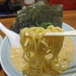 麺家 浜風 - 麺硬めアップ
