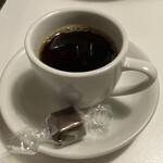 157303577 - 食後のコーヒーとチョコ