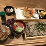 一灯庵 - 海鮮かき揚げと選べる三種の丼(道産豚丼)1500円