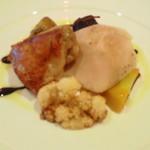 15731957 - メイン料理。鶏肉のアンサンブル、バルサミコソース。