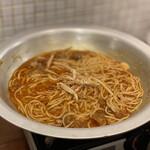 もつ鍋 亀八 - 和牛あぶらカストッピング麺 680円×2