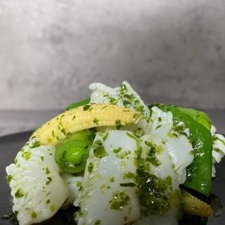 老虎菜 - 料理写真:アオリイカの葱山椒ソース
