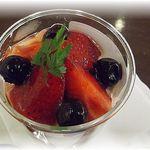 15733443 - チョコいちごパフェ(単品¥420・ドリンクセット¥600)