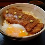 なにわ - ロース丼(1,100円) 温泉玉子 +150円
