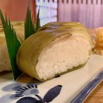 157334963 - すずめ寿司 (小鯛棒寿司)