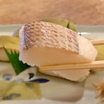 157334969 - すずめ寿司 (小鯛棒寿司)