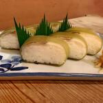 157334977 - すずめ寿司 (小鯛棒寿司)