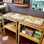 御菓子処 はとや - 料理写真:店内パンコーナー