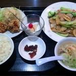 15735513 - 八宝菜定食 880円