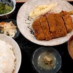 柳ばし - メンチカツ定食(ライス大盛り)。マヨネーズはセルフ