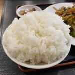 中華酒坊 王記餃子 - ご飯(大盛り)