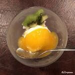 香月 - キウイとヴァニラアイス マンゴーソース