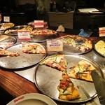 15737438 - 色々変わったピザが増えましたのぅ(・。・)