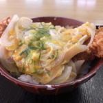 ちゃちゃっと食堂 - カツ丼520円