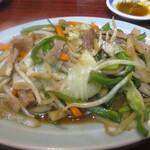 丸千葉 - 肉入り野菜いため。町中華も裸足で逃げ出す味。