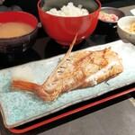 肴や 呉平 - 焼き赤魚