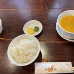 SUN華鳳 - 料理写真:とうもろこしのスープめちゃうま