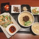 157419946 - 海鮮チヂミとミニ冷やしジャージャー麺セット