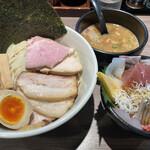 157428720 - つけ麺全乗せ(1400円)