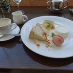 千疋屋レストラン BIWAWA - エスプレッソとデザート