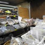 永野鰹節店 - この奥で鰹節削ってます