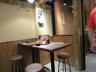蔵元居酒屋 清龍 池袋西口店 - テーブル席もあります