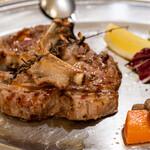マッシモッタヴィオ - 2021.8 仔羊肉のグリル(2本 2,500円)