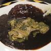 SALON DE KAPPA - 料理写真:漆黒のカレー。具はギアラをチョイス。