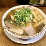 157472347 - チャーシュー麺(950円)+メンマのせ(50円)