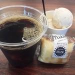 パオ クレープ ミルク - 料理写真:クレープ、アイス、ドリンクのフルコース300円