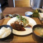 いっかく食堂 - 蟹クリームコロッケ・エビフライ定食¥1,200