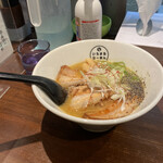 いちまるらーめん - 料理写真:濃厚なスープ、味はしっかりしてますが量は少な目