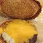 ロッテリア - 絶品チーズバーガーセット 690円 絶品チーズバーガーの中 【 2012年11月 】