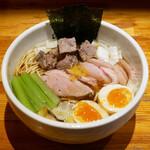 中華そば 満鶏軒 - ☆トロトロ系の味玉でした(●^o^●)☆