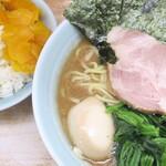 横浜ラーメン 武蔵家  - 料理写真:ラーメン並+味玉&ライス大