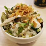 トンテキ食堂8 - ちょっとサラダ(300円)