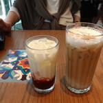 Urth Caffe - カフェ・ラテはラージのみ